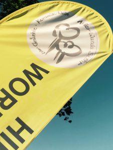Flagge mit Logo